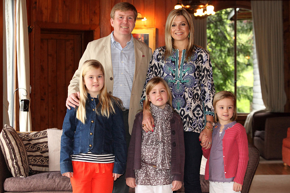 Shirt「The Prince Of Orange And Princess Maxima Of The Netherlands And Family Celebrate Christmas In Argentina」:写真・画像(19)[壁紙.com]