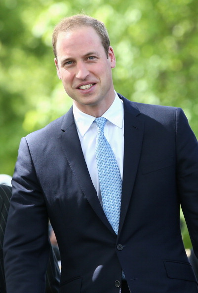 Vertical「The Duke Of Cambridge Visits The Royal Navy Submarine Museum」:写真・画像(9)[壁紙.com]
