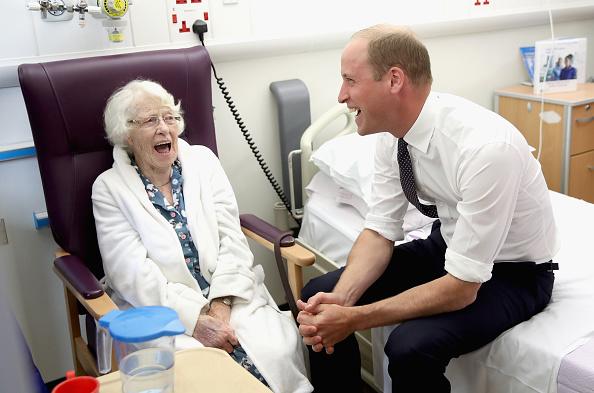 Visit「The Duke Of Cambridge Visits Liverpool」:写真・画像(9)[壁紙.com]