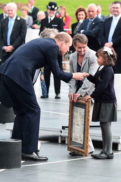 ヒューマンインタレスト「The Duke Of Cambridge Visits Milton Keynes On The 50th Anniversary Of The City」:写真・画像(4)[壁紙.com]