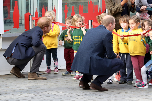 対面「The Duke & Duchess Of Cambridge And Prince Harry Celebrate World Mental Health Day At The London Eye With Heads Together」:写真・画像(0)[壁紙.com]