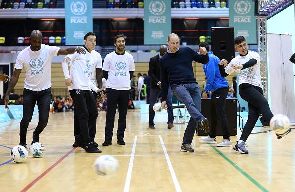 Eamonn M「The Duke Of Cambridge Attends A Football For Peace Graduation Ceremony」:写真・画像(0)[壁紙.com]
