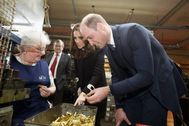 膝から上の構図「The Duke & Duchess Of Cambridge Visit Birmingham」:写真・画像(9)[壁紙.com]