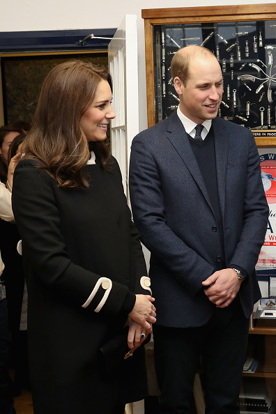 膝から上の構図「The Duke & Duchess Of Cambridge Visit Birmingham」:写真・画像(8)[壁紙.com]