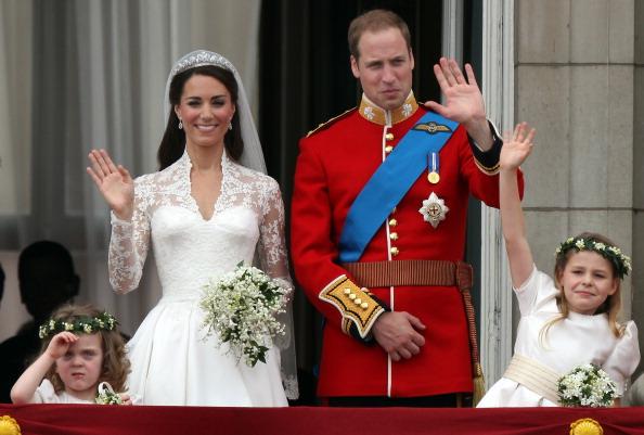 Grace van Cutsem「Royal Wedding - The Newlyweds Greet Wellwishers From The Buckingham Palace Balcony」:写真・画像(15)[壁紙.com]