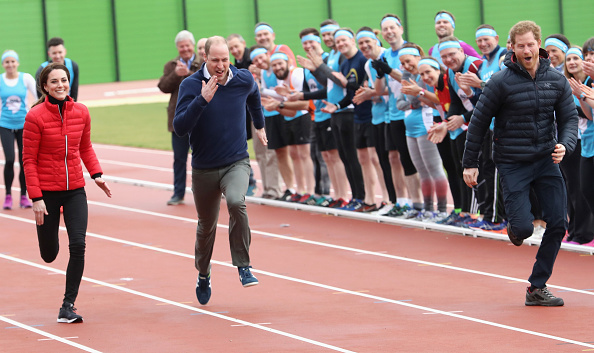 Connection「The Duke & Duchess Of Cambridge And Prince Harry Join Team Heads Together At A London Marathon Training Day」:写真・画像(17)[壁紙.com]