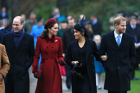 Sussex「The Royal Family Attend Church On Christmas Day」:写真・画像(6)[壁紙.com]