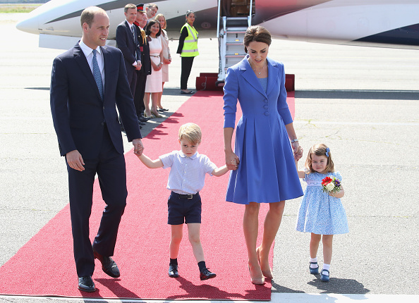 Holding Hands「The Duke And Duchess Of Cambridge Visit Germany - Day 3」:写真・画像(17)[壁紙.com]