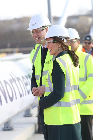 Alternative Pose「The Duke And Duchess of Cambridge Visit Sunderland」:写真・画像(1)[壁紙.com]