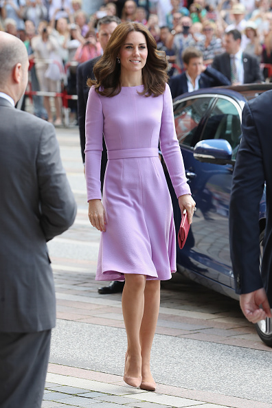 全身「The Duke And Duchess Of Cambridge Visit Germany - Day 3」:写真・画像(8)[壁紙.com]