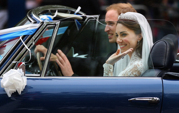 Wedding Reception「Newlywed Royals Leave Wedding Reception」:写真・画像(2)[壁紙.com]