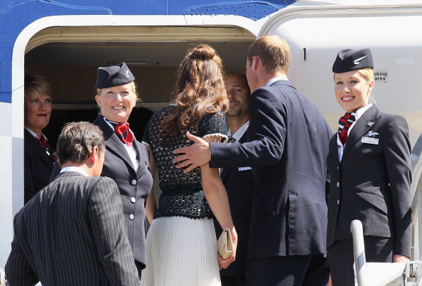 North America「The Duke and Duchess of Cambridge Depart Los Angeles」:写真・画像(19)[壁紙.com]