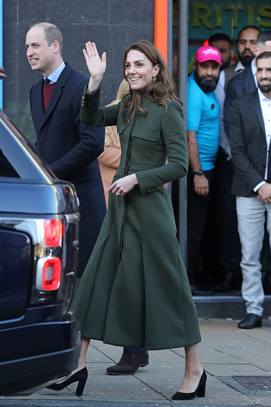 William S「The Duke And Duchess Of Cambridge Visit Bradford」:写真・画像(8)[壁紙.com]