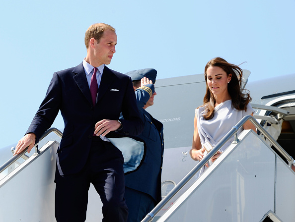 LAX Airport「The Duke And Duchess Of Cambridge Arrive At LAX International Airport」:写真・画像(0)[壁紙.com]