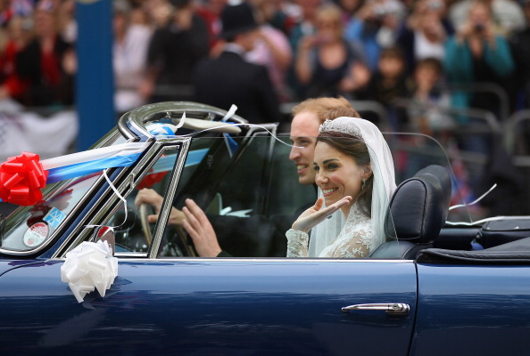 Wedding Reception「Newlywed Royals Leave Wedding Reception」:写真・画像(1)[壁紙.com]