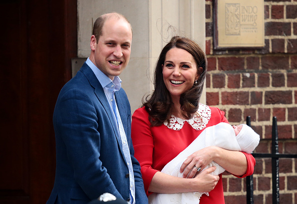 Prince Louis of Cambridge「The Duke & Duchess Of Cambridge Depart The Lindo Wing With Their New Son」:写真・画像(12)[壁紙.com]