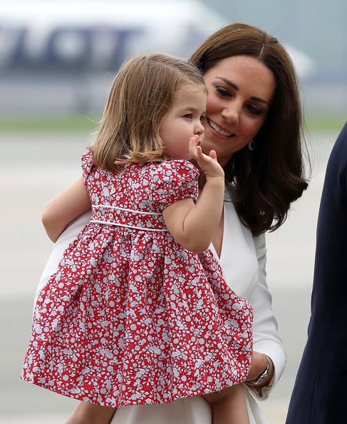 子供「The Duke And Duchess Of Cambridge Visit Poland - Day 1」:写真・画像(12)[壁紙.com]