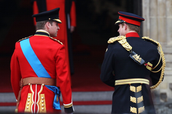 Formalwear「Royal Wedding - Wedding Guests And Party Make Their Way To Westminster Abbey」:写真・画像(6)[壁紙.com]