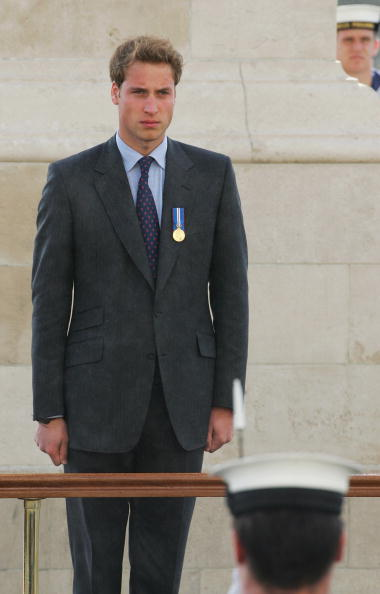 Front View「Prince William Attends Wreath Laying Ceremony」:写真・画像(5)[壁紙.com]