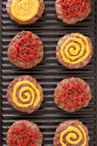 Cast Iron「Burgers with mustard and ketchup」:スマホ壁紙(7)