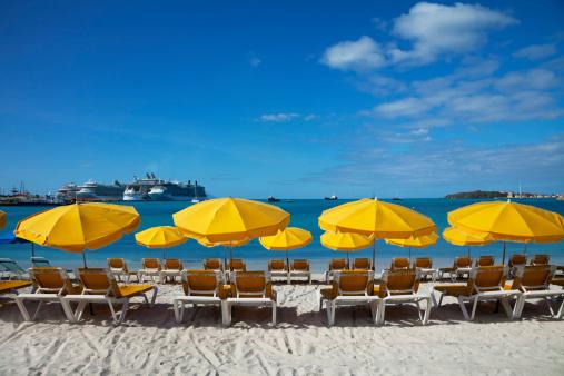 Outdoor Chair「Beach sun loungers and sunshades」:スマホ壁紙(6)