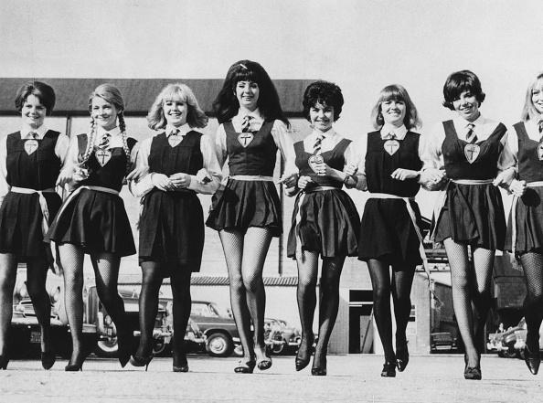 Holding Hands「St Trinians Girls」:写真・画像(6)[壁紙.com]