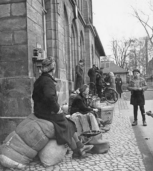 Postwar「Refugees From Soviet Zone」:写真・画像(7)[壁紙.com]