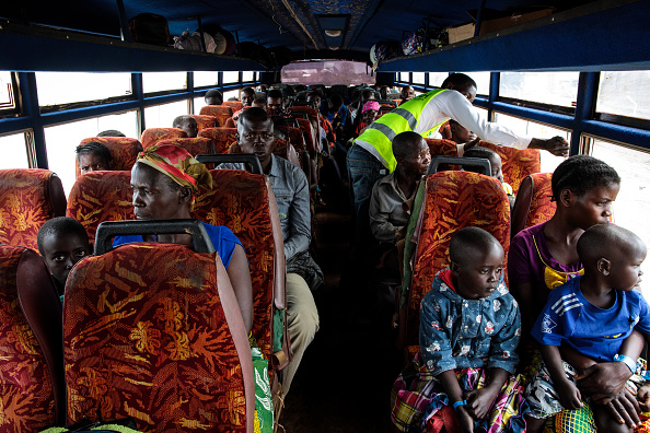UNHCR「Congolese Refugees Cross Lake Albert Seeking Safety In Uganda」:写真・画像(16)[壁紙.com]