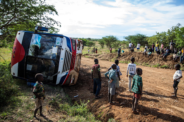Bus「Congolese Refugees Cross Lake Albert Seeking Safety In Uganda」:写真・画像(4)[壁紙.com]