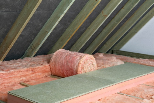 Fibreglass「Storage decking on top of fiberglass roof insulating material in attic」:スマホ壁紙(16)