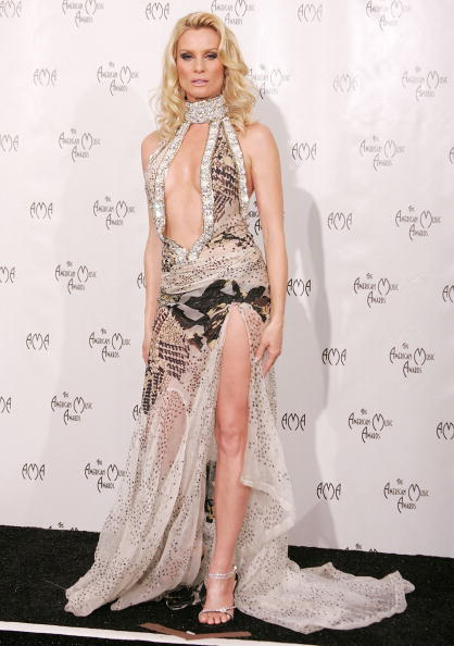 Elie Saab - Designer Label「The 32nd Annual American Music Awards - Press Room」:写真・画像(15)[壁紙.com]