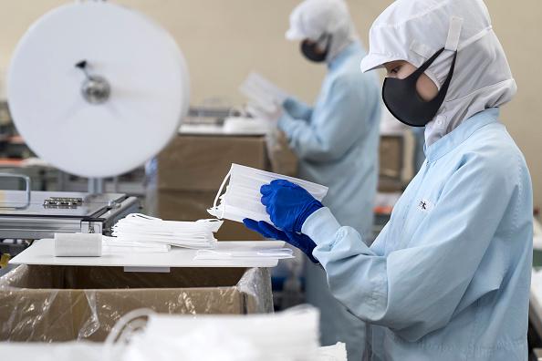 Plant「Japan Steps Up Production On Face Masks During The Coronavirus Outbreak」:写真・画像(1)[壁紙.com]