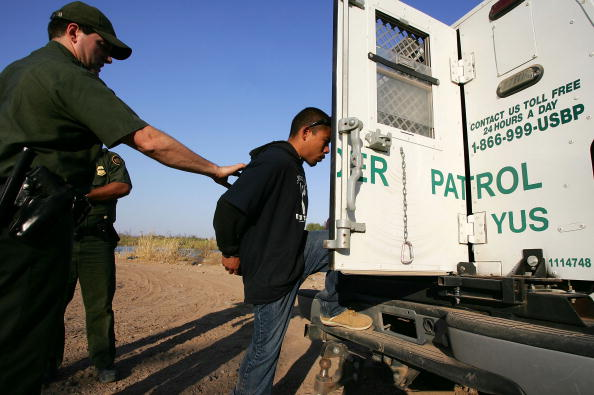 Risk「Arizona Struggles To Patrol Vast Border With Mexico」:写真・画像(19)[壁紙.com]