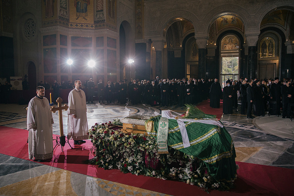 Vladimir Zivojinovic「Serbia Mourns Covid-19 Death Of Orthodox Church Patriarch」:写真・画像(14)[壁紙.com]