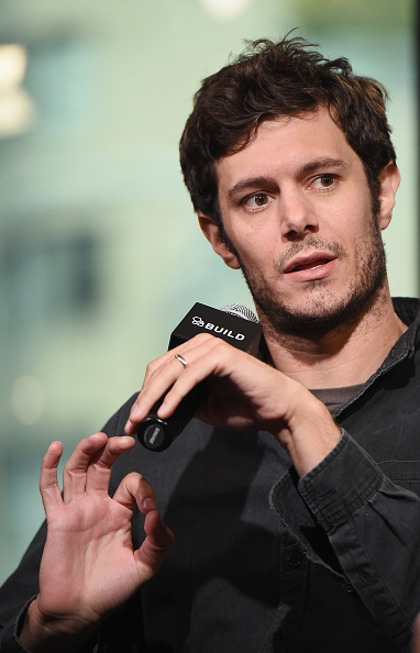 アダム・ブロディ「BUILD Series Presents Adam Brody Discussing His New Crackle Scripted Drama 'StartUp'」:写真・画像(14)[壁紙.com]