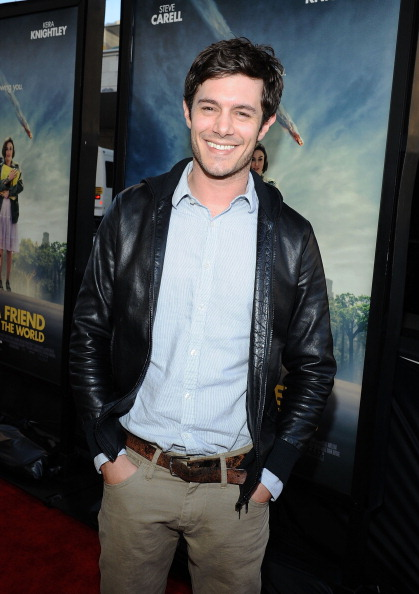 Adam Brody「Film Independent's 2012 Los Angeles Film Festival Premiere Of Focus Features' 'Seeking A Friend For The End Of The World' - Red Carpet」:写真・画像(16)[壁紙.com]