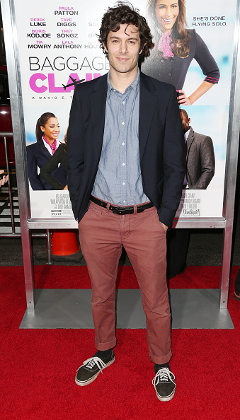 Adam Brody「Premiere Of Fox Searchlight Pictures' 'Baggage Claim' - Arrivals」:写真・画像(13)[壁紙.com]