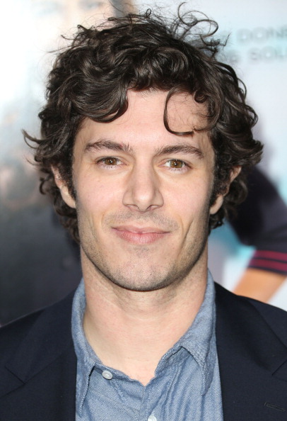 Adam Brody「Premiere Of Fox Searchlight Pictures' 'Baggage Claim' - Arrivals」:写真・画像(8)[壁紙.com]