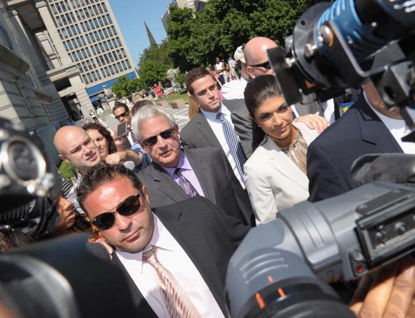 Hiding「Teresa And Joe Giudice Court Appearance」:写真・画像(3)[壁紙.com]