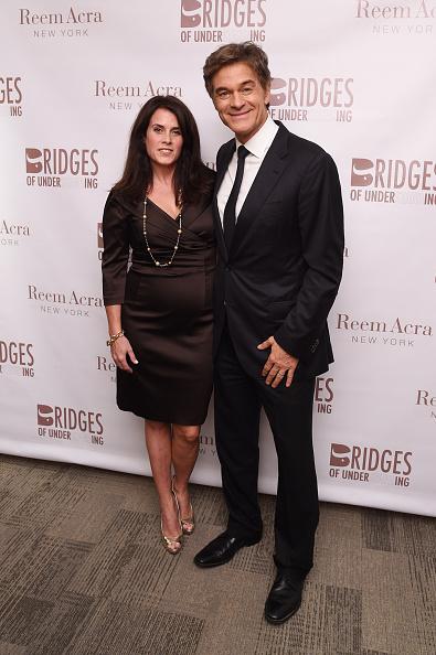 """Three Quarter Length Sleeve「Bridges Of Understanding's Annual """"Building Bridges"""" Award Dinner Honoring Designer Reem Acra With Steven Kolb, New York City」:写真・画像(9)[壁紙.com]"""