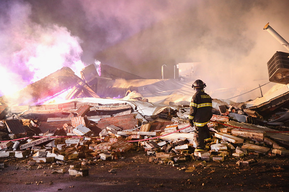 Strip Mall「Grand Jury Declines To Indict Officer In Ferguson Shooting Case」:写真・画像(14)[壁紙.com]