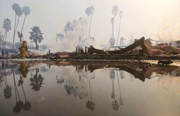 Ventura County Thomas Fire Forces Thousands to Evacuate:ニュース(壁紙.com)