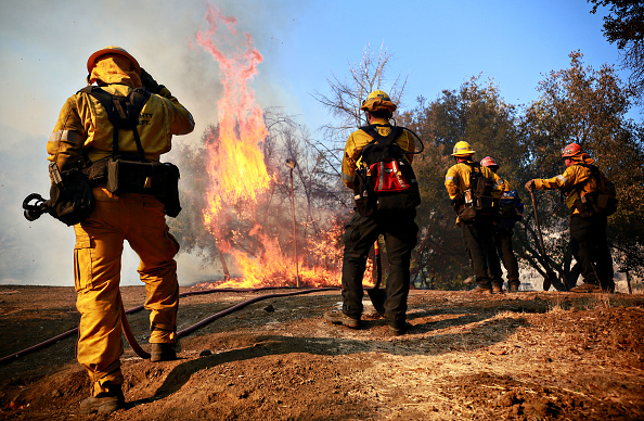 Southern California「250,000 Evacuated In Southern California As Woolsey Fire Torches Over 80,000 Acres」:写真・画像(6)[壁紙.com]