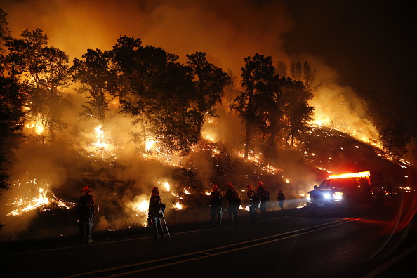 カリフォルニア州「Fast-Moving Wildfire Brings Destruction To Lake County, CA」:写真・画像(4)[壁紙.com]
