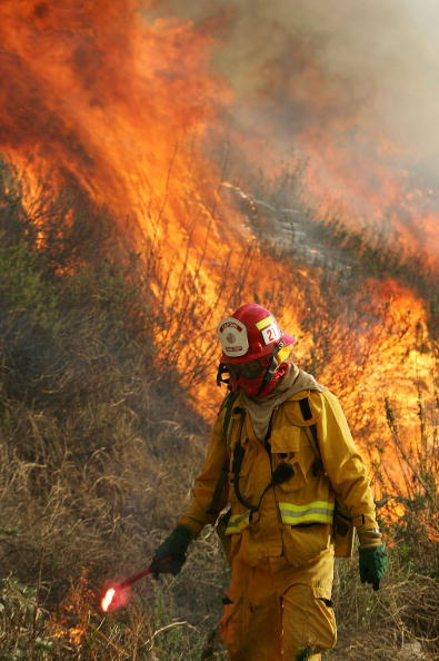 California State Route 1「Wildfire Spreads In Southern California」:写真・画像(9)[壁紙.com]