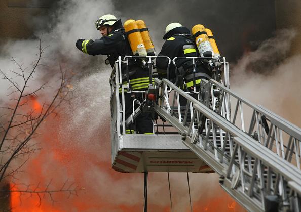 高層ビル「Fire Scorches Berlin Apartment」:写真・画像(19)[壁紙.com]