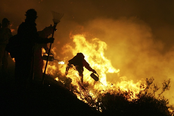 Dawn「Deadly Wildfire Rages In Desert Near Palm Springs」:写真・画像(17)[壁紙.com]