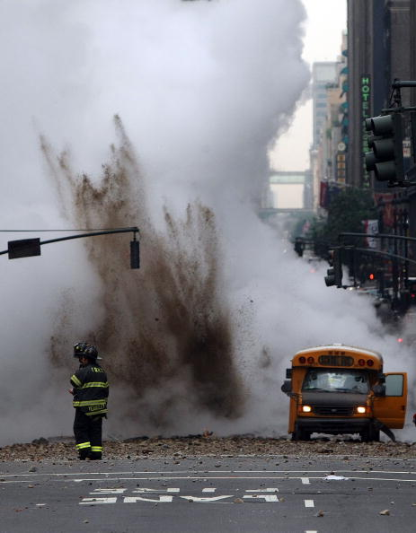 Steam「Steam Explosion Rattles Rush-Hour Manhattan」:写真・画像(0)[壁紙.com]