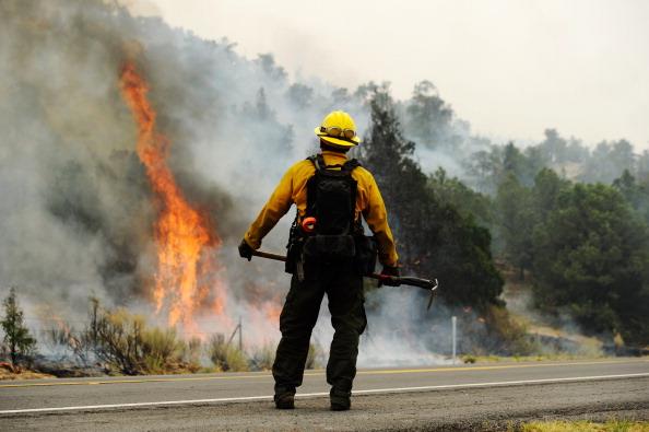 Arizona「Massive Arizona Wildfire Spreads, Threatening Nearby Towns」:写真・画像(18)[壁紙.com]