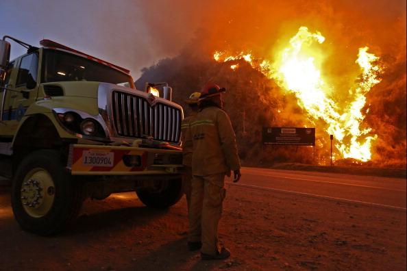 Azusa - California「Brush Fire Threatens Residential Neighborhood Near Glendora」:写真・画像(7)[壁紙.com]